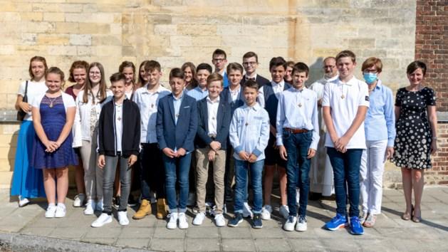 Vicaris-generaal vormt twintig jongens en meisjes in Millen