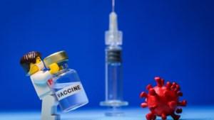 Farmareuzen communiceren openlijk, om vertrouwen in vaccin te herstellen