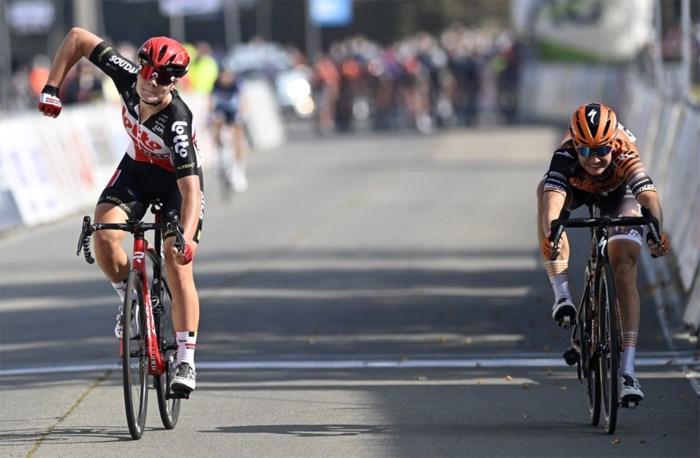 Kopecky klopt D'hoore na millimetersprint op BK wielrennen voor vrouwen