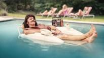 Erik Van Looy stelt juryleden 'De Slimste Mens' voor in een wel erg bijzonder promofilmpje