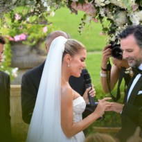 Waarom de trouwfoto's van Sylvie Meis en haar man strategisch gekozen zijn