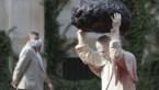 "Superpaus: Poolse kunstenaar beeldt paus Johannes Paulus II af als ""superman"""