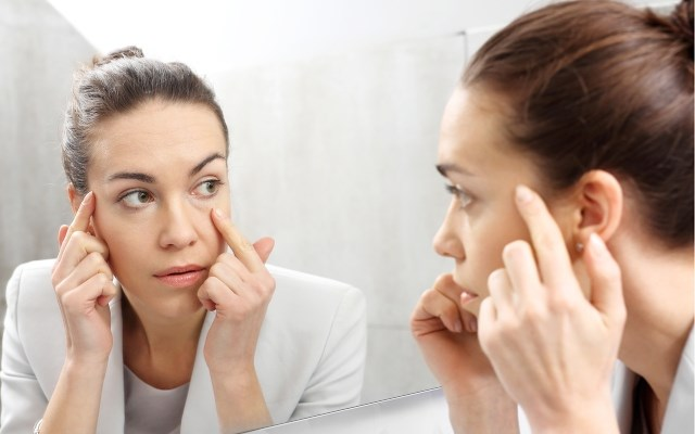 Frisse ogen boven je mondmasker: zo maak je komaf met donkere kringen