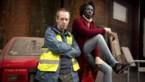 Acteur Kris Cuppens trekt Geel Hesje aan voor theaterstuk Het Nieuwstedelijk