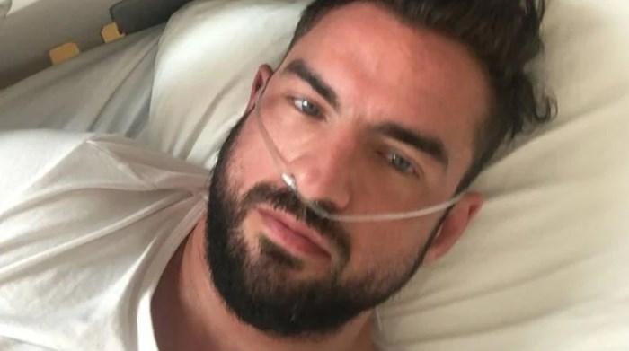 """""""Je wordt betaald om in ziekenhuis te liggen"""": coronapatiënt (37) overstelpt met haat- en doodsberichten"""