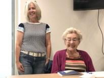 """Germaine leert op haar 95ste nog Engels: """"Anders ben je niet meer mee"""""""