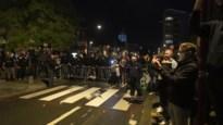 Corona? Supporters van Charleroi troepen samen om Europese zege te vieren… en voorzitter Mehdi Bayat doet mee