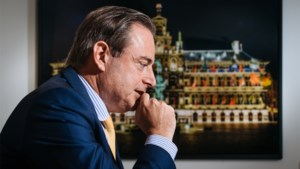 """Bart De Wever: """"Misschien moeten we ons kiessysteem omvormen"""""""