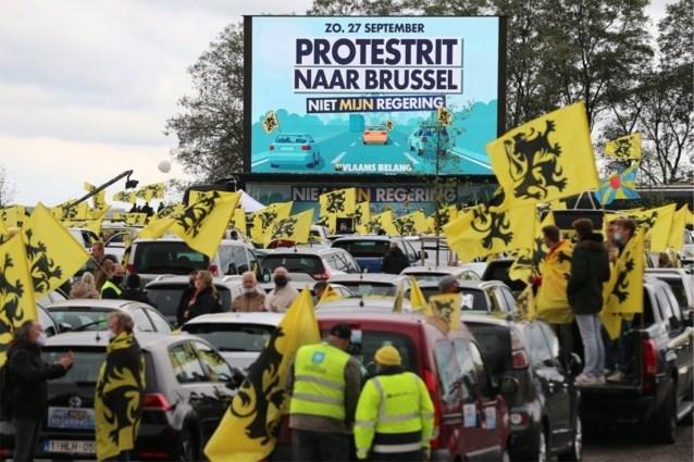 Vlaams Belang protesteert tegen Vivaldi: duizenden auto's verzamelen in Brussel