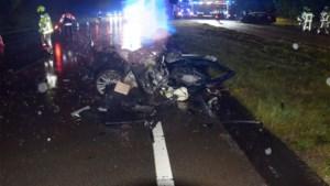 Zware ravage na frontale klap op Noord-Zuid, chauffeurs als bij wonder lichtgewond