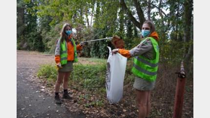 Jongeren van Scouts & Gidsen ruimen zwerfvuil in centrum op
