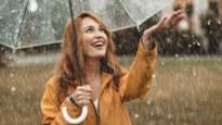 Tien jassen en paraplu's waar je in dit regenweer iets vrolijker van wordt