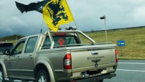 Nazi-symbolen tijdens VB-betoging? Zutendaalse eigenaar pick-up ontkent