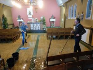 Buren en vrienden geven Kapel 18 een poetsbeurt