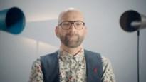 Hasselaar Wim Vandebeek getuigt over HIV in 'Durf te vragen'