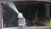 Slapende moeder en dochter net op tijd gered uit brandend huis