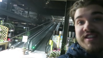 Vloggers verantwoorden zich nu wel voor overnachting in tuincentrum