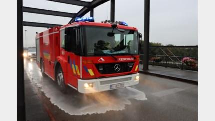 Lijnbus laat oliespoor achter van 25 kilometer<BR />
