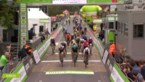 Jasper Philipsen sprint in Ardooie naar de eerste ritzege van de BinckBank Tour, Naesen stevig ten val