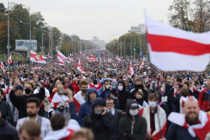"""Britse en Canadese sancties tegen Loekasjenko voor """"gewelddadig en frauduleus regime"""""""