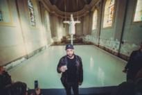 """Doek met Tom Hercks' gekruisigde koe op uit kerk in Nice gestolen: """"Religieuze fanatiekelingen"""""""