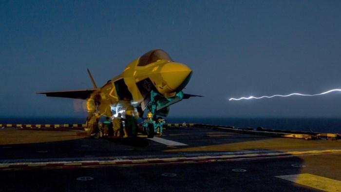 Amerikaanse F-35B neergestort na botsing met tankvliegtuig