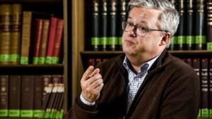 """Politicoloog Carl Devos:""""Akkoord is centrum-rood, weinig groene accenten"""""""