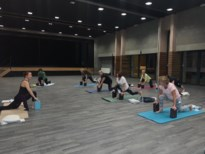 Femma-Rekem zet coronazorgen aan de kant met yoga