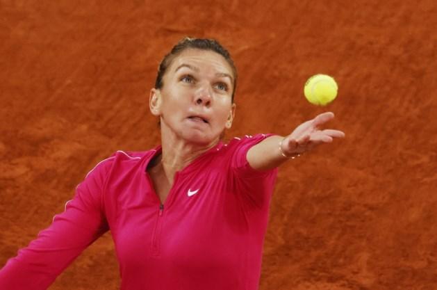 Verrassing op Roland Garros: topreekshoofd Simona Halep sneuvelt in vierde ronde tegen Poolse tiener