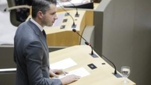 Vlaams Parlement begint met incident rond tweet Vlaams Belang-parlementslid