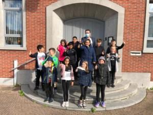 Leerlingen van Ter Duinen op bezoek bij burgemeester