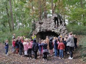 Leerlingen Het Blavierke bezoeken grot