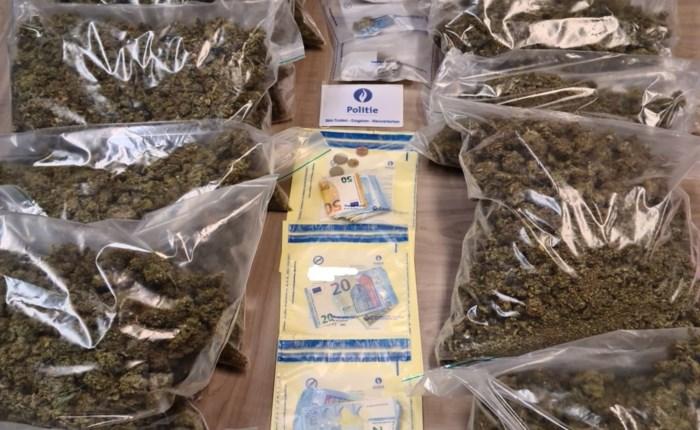 10 kilo cannabis en ruim 1.000 euro cash geld gevonden in Sint-Truiden