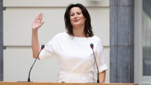 Stephanie D'Hose legt na stoelendans eed af als nieuwe Senaatsvoorzitster