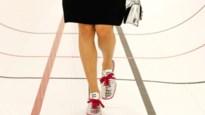 Miu Miu introduceert voetbalschoenen met hakje op de catwalk