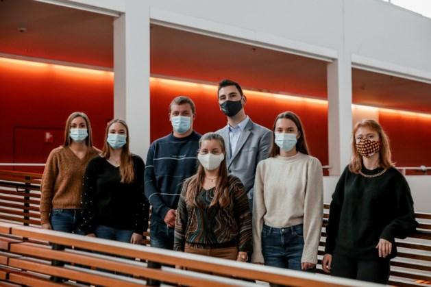 PXL-studenten halen 533 euro op voor Rode Neuzen Dag