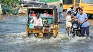 Minstens 94 doden bij overstromingen in India