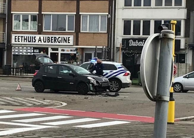 Twee auto's botsen in Maasmechelen