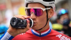 """Mathieu van der Poel: """"Ik dacht dat Van Aert snapte hoe koers in mekaar zat"""""""
