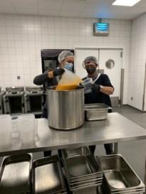 Sp.a Bilzen schenkt 100 liter soep aan Sint Vincentius