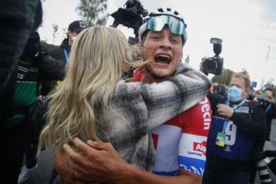Zo schoon kan koers zijn: het moment waarop Van der Poel te horen krijgt dat hij de Ronde heeft gewonnen