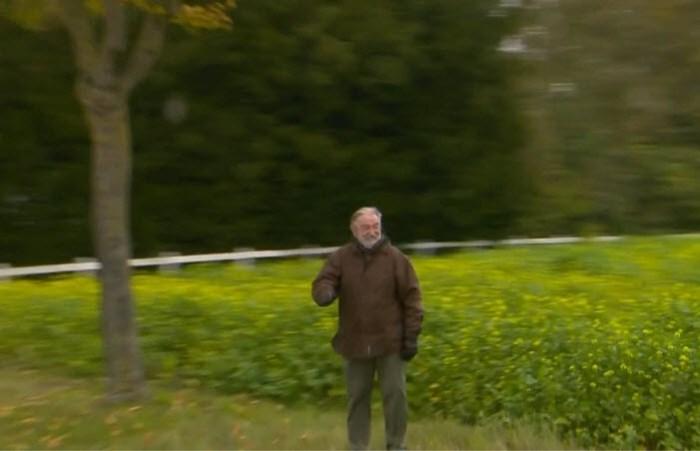 250 euro boete voor de vader van de premier? Herman De Croo groet de Ronde zonder mondmasker
