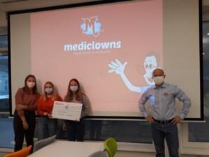 Leerlingen Agnetencollege schenken 611 euro aan de Mediclowns