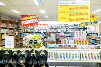 Vakbond Blokker roept personeel op om winkels dicht te houden