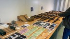 Arsenaal kalasjnikovs en 150.000 euro cash gevonden in Antwerpse Kempen