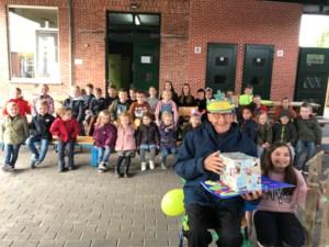 Pieter Brueghelschool van Erpekom viert 100-jarige opa