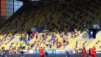 Spelers mogen niet knuffelen, fans mogen dan toch zingen