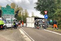 Vrachtwagen gekanteld op oprit E314 in Houthalen-Helchteren