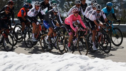 LIVE. Volg hier de 17de etappe van de Giro: een zware bergrit van 203 kilometer