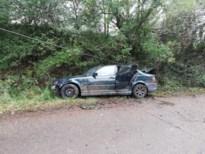 Auto tegen verlichtingspaal in Bilzen